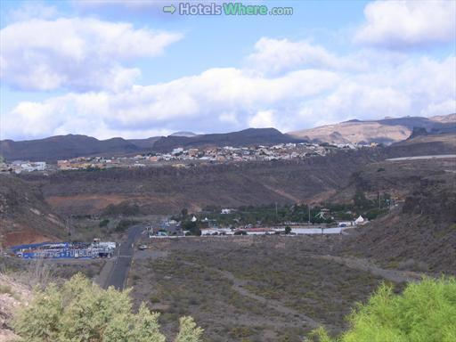 Montaña de la Data (on the hill) as seen from Tablero de Maspalomas